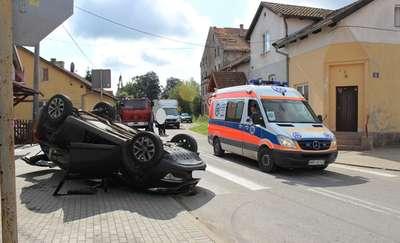Zderzenie dwóch aut w Lelkowie