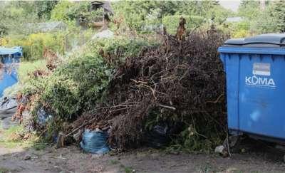 Rośnie góra śmieci na rodzinnych ogrodach