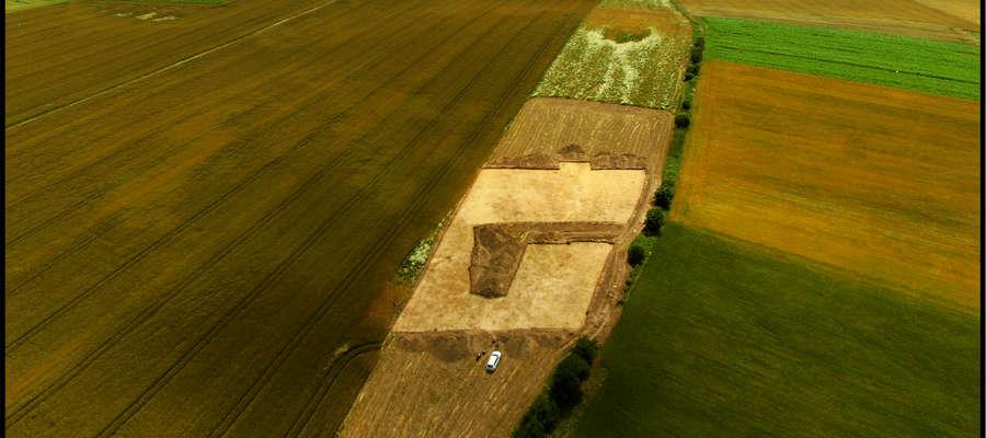 Teren wykopalisk na polach w Krzemieniewie.