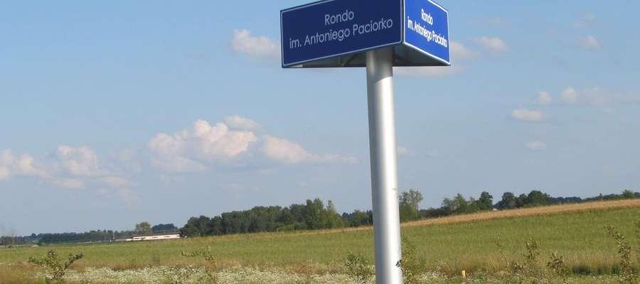 Od 14 czerwca jedno z najważniejszych rond w miejscowości Raczki w pow. suwalskim nosi imię Antoniego Paciorko