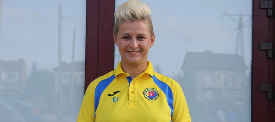 Ewelina kocha sport i pracę z dziećmi uśmiech rzadko schodzi z jej twarzy