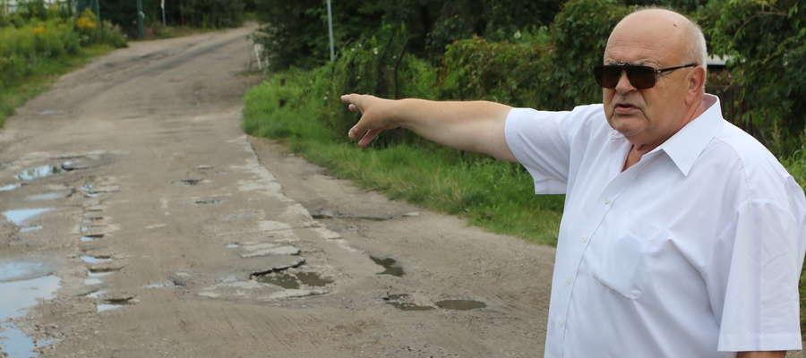 Sugestie, by skierować ruch ciężarówek przez Bydgoską nie rozwiąże problemu — mówi Wiesław Nałęcz. — Lepszym rozwiązaniem jest nowa droga, która połączy ulicę Wojska Polskiego i Fałata.  Sugestie, by skierować ruch ciężarówek przez Bydgoską nie rozwiążą