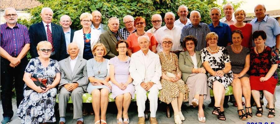 Uczestnicy spotkania z okazji 50-lecia zdania matury