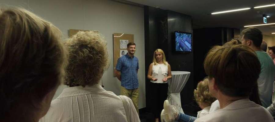 W foyer Sali Dantyszek Hotelu Krasicki odbył się wernisaż wystawy prac Katarzyny Kosowskiej