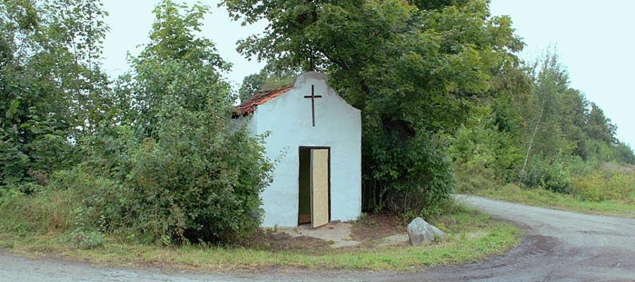 Kapliczka przy drodze Monetki - Kozin (powiat giżycki)