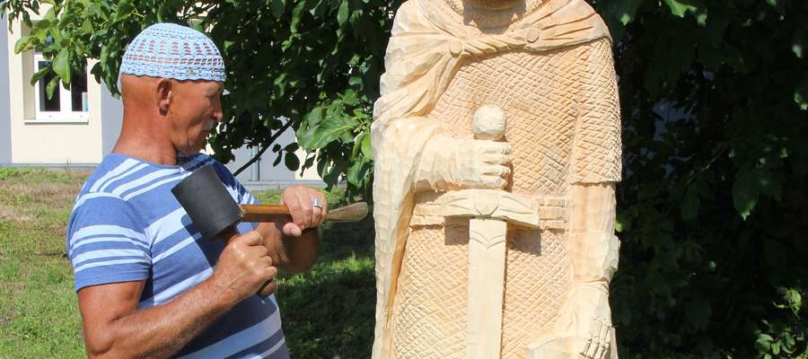 Artyści odbyli pierwszy plener rzeźbiarski w Działdowie
