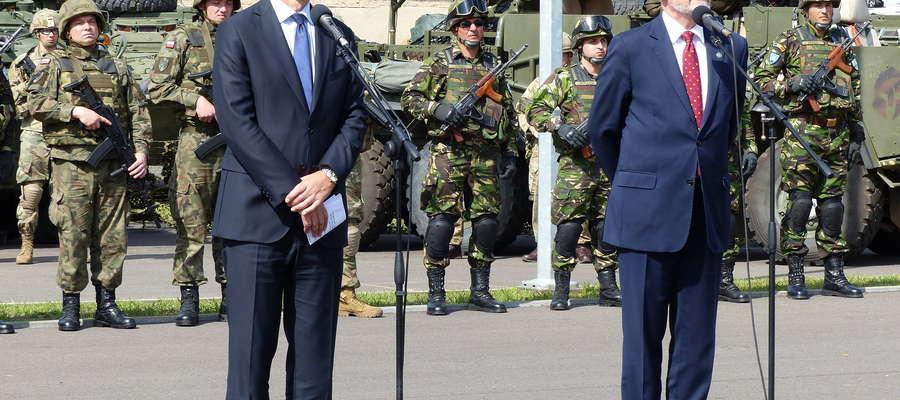 (z lewej) Jens Stoltenberg, szef NATO oraz Antoni Macierewicz, minister obrony narodowej