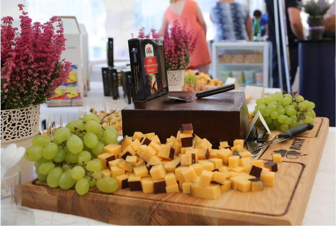 Na tegorocznym festiwalu zaprezentuje się około 30 wystawców – najlepszych krajowych producentów serów i twarogów - full image