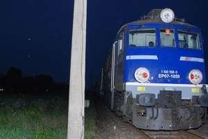 Pociąg najechałna kamienie. Policjanci zatrzymali dwóch 13-latków