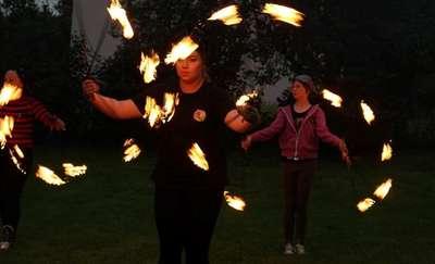 Artystyczna strefa ognia rozgrzeje uczestników dożynek