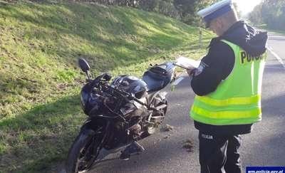 Kierowca passata wymusił pierwszeństwo. Motocyklista w szpitalu