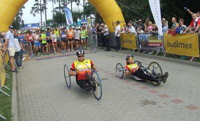 Józef Mika wygrywa półmaraton