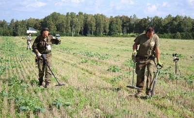 Na Polach Grunwaldzkich odnaleźli niezwykłe przedmioty. Szukali wykrywaczami i dronami