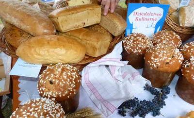 """Najpierw zdrożało masło, teraz drożeje chleb. """"Do końca roku możemy spodziewać się wzrostu cen pieczywa"""""""