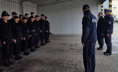 Nowi policjanci wyszli na ulice i będą pełnić służby prewencyjne