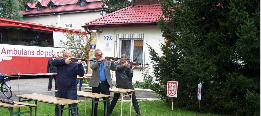 W zawodach strzelecki wziął udział sam starosta Jerzy Rzymowski, który okazał się najlepszym strzelcem