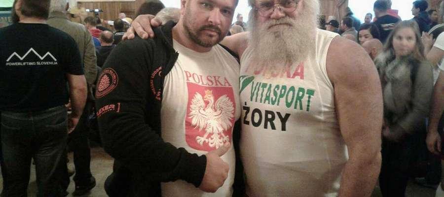 Z lewej Marek Makarewicz, obok Piotr Redzik - wielokrotny mistrz swiata w sportach siłowych