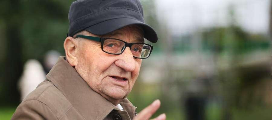 Sonda o niskich emeryturach  Olsztyn - Sonda o niskich emeryturach. Nz: Henryk Gacioch.
