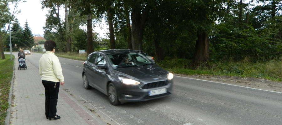 ul. Bartąska w Olsztynie - zdrapane pasy