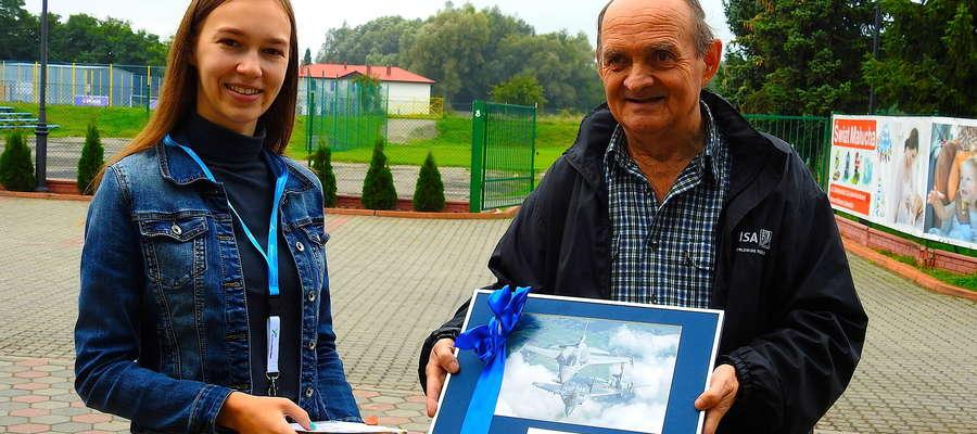 Natalia Kaszubska i Ryszard Krzemieniewski podczas wręczania nagród