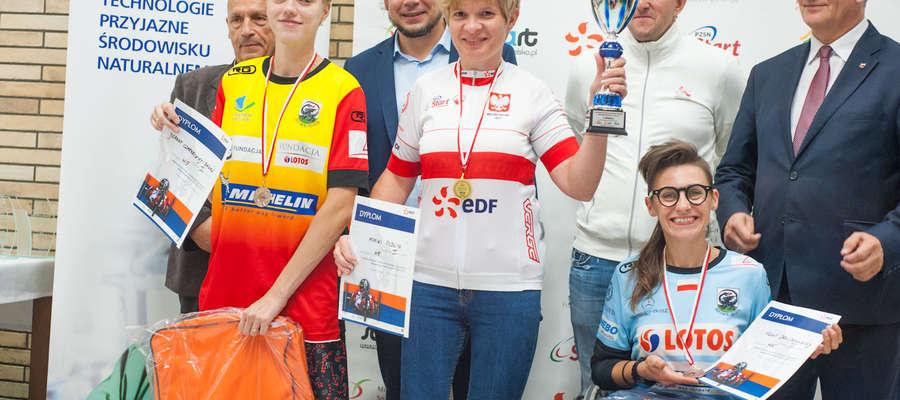 Podwójne medalistki ze Smoka Orneta (od lewej): Joanna Czarnecka-Baran, Monika Pudlis i Sylwia Drozdowska