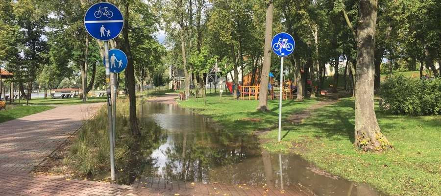 Ścieżka rowerowa trochę nam zatonęła, ale jeśli nie będzie padało wszystko powinno wrócić do normy