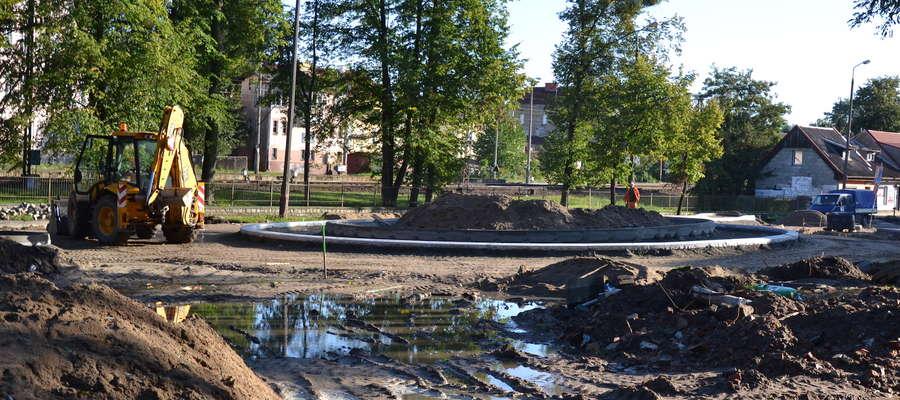 O poranku niewiele działo się na budowie ronda na skrzyżowaniu 11 Listopada i Pieniężnego