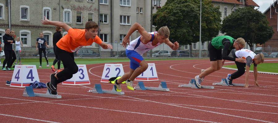"""W zawodach z cyklu """"lekkoatletyka dla każdego"""" wystartowało ponad 200 zawodników"""