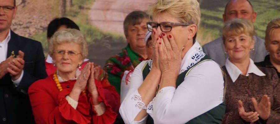 A to moment ogłoszenia wyników konkursu wieńcowego. Wielka radość przedstawicielki Jędrychowa w gminie Kisielice