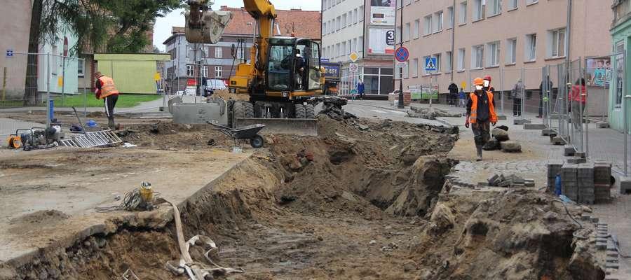 Wykop z prawdopodobnymi pozostałościami Bramy Królewieckiej bardzo szybko zasypano