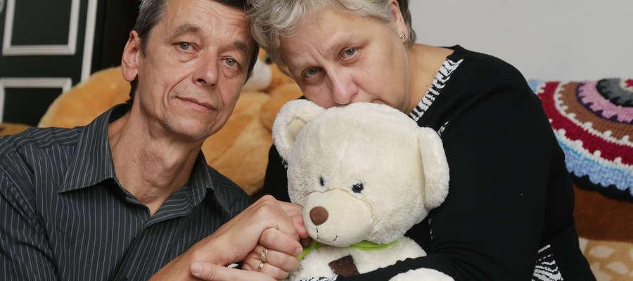 Barbara i Edward Maćków opiekują się wnuczką od dnia narodzin. I chcą ją nadal wychowywać