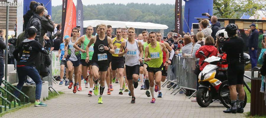 Ukiel Olsztyn Półmaraton. Wystartowało 460 biegaczy! [ZDJĘCIA]