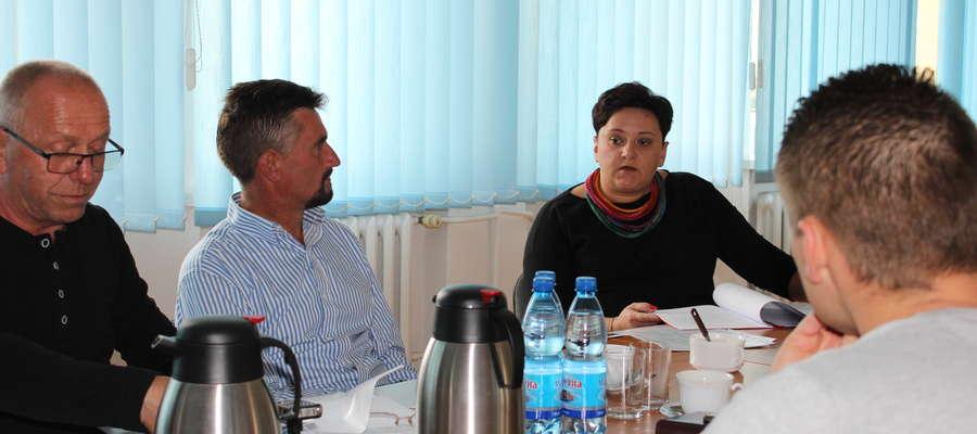 Sylwia Antoszewska wyczerpująco odpowiedziała na pytania radnych.