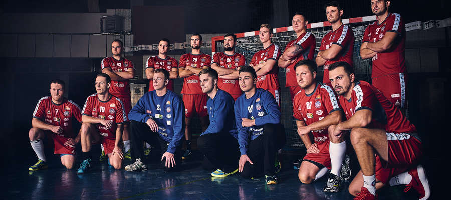 Nie wszyscy zawodnicy Warmii Energi mogą zagrać dziś z Vive Kielce, ale ci nieobecni na pewno będą zagrzewać do walki swoich kolegów