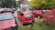 Uwaga kierowcy! Parking przy poliklinice zamknięty