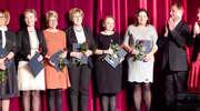 Medale i odznaczenia dla pedagogów z Iławy. Gala z okazji święta edukacji
