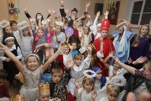 Wszyscy święci mieli bal w parafii na Dajtkach