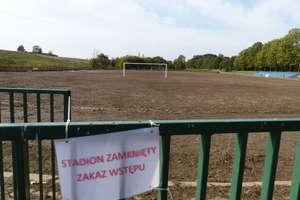 Ulewy zamieniły stadion w jezioro