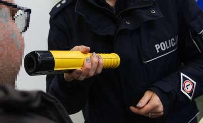 Pijany kierowca z Grajewa zniszczył znak w Prostkach