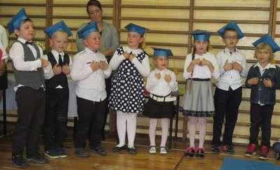 Dzień Edukacji Narodowej i ślubowanie w szkole w Zajączkowie