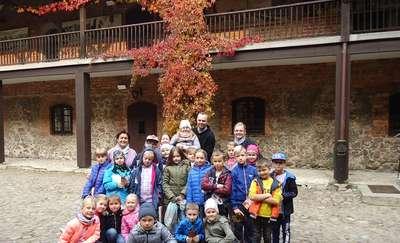 Trzecioklasiści z Jedynki poznają swoje miasto - wizyta w nidzickim zamku