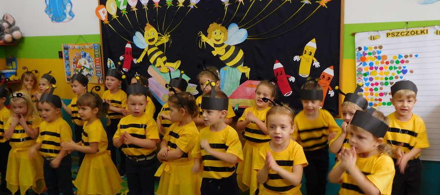 """""""Pszczółki"""" wystąpiły w starannie przygotowanych kostiumach"""