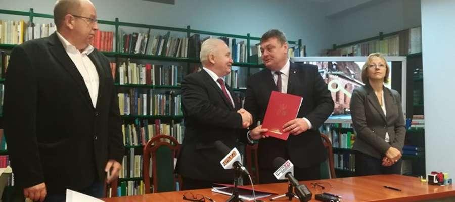 Podpisanie umowy w Bibliotece Elbląskiej