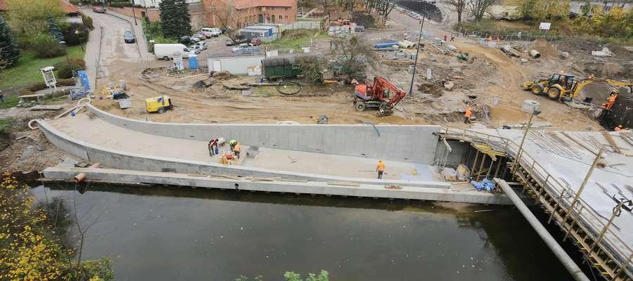 Pieniężnego most  Olsztyn-Pieniężnego  remont mostu i nabrzeża-ilustracja