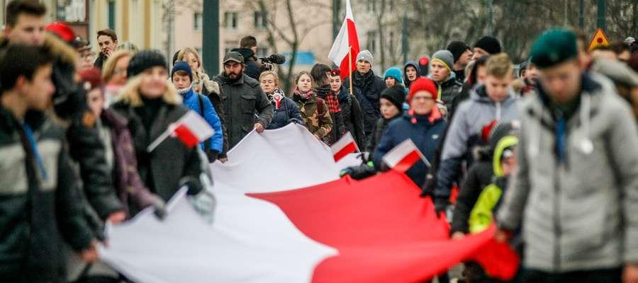 Elblążanie przejdą w orszaku ulicami miasta niosąc 50-metrową flagę