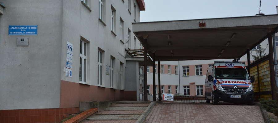 Minęło ponad 16 godzin zanim kobieta z rozpoznaniem tętnika została przetransportowana ze szpitala w Olecku do Olsztyna