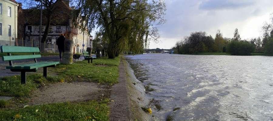 Stan rzeki Elbląg w niedzielę, po godzinie 14.30