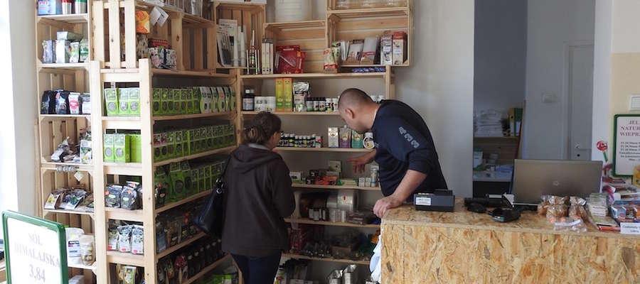 Asortyment sklepu jest nieustannie poszerzany i uzupełniany, a właściciel sklepu Dawid Okorski służy pomocą i poradą