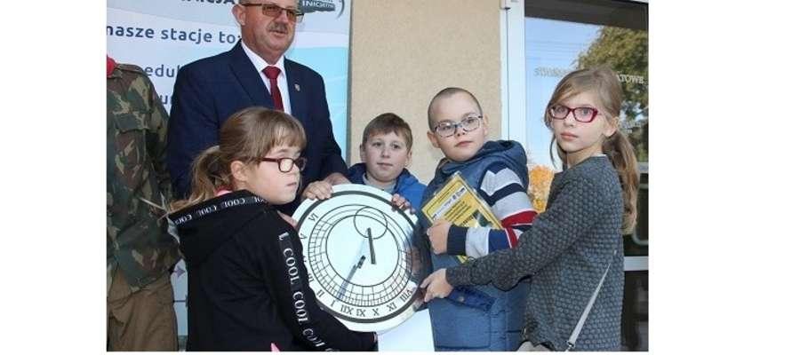 Strażnicy Żuromińskiej Kapsuły Czasu są upoważnieni do jej otwarcia za 25 lat.