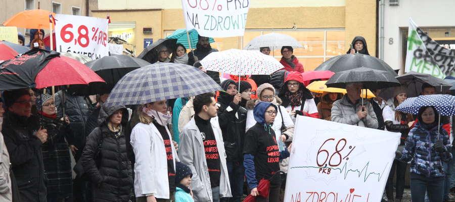 pikieta popierająca protest lekarzy rezydentów